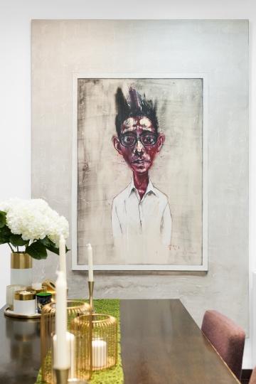 《面具》的一侧是曾梵志画的《肖像》,一个画家画的另一个画家刘小东。