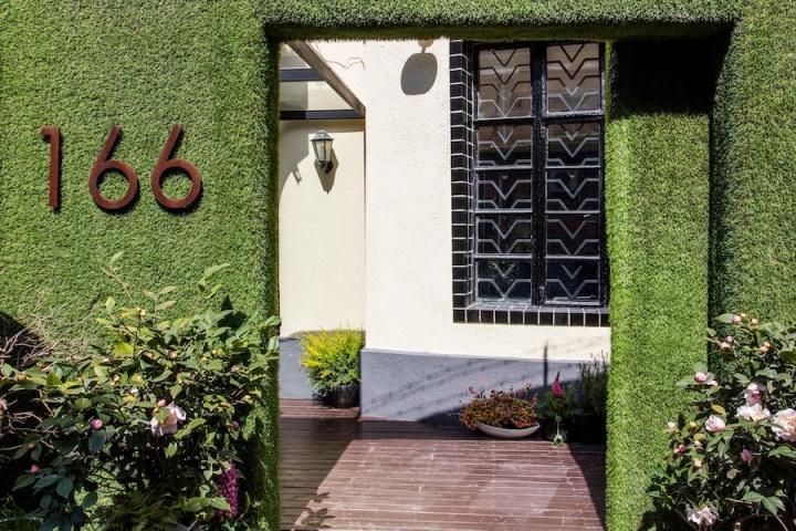 或许只有当代艺术,才配得上这栋1930年代的老宅