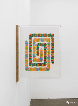 董大为《多彩贪吃蛇 S1》67.2×52.1cm纸上⻢克笔2017