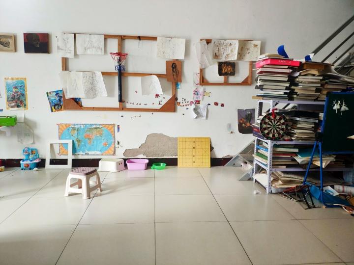 颜秉卿的工作室