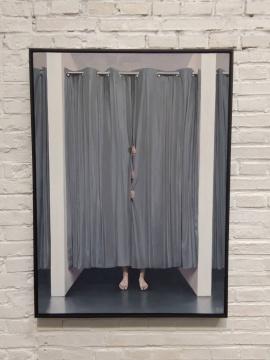 郭警 《试衣间》100×73cm 布面油画 2019