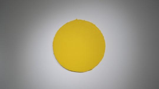 马树青 《无题20—Y-6》 R 106cm 丙烯木板、综合媒介 2019-2020 现场图