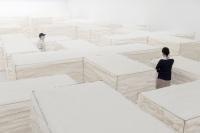 赵赵个展白色,在当代唐人搭建一座棉花迷宫,赵赵