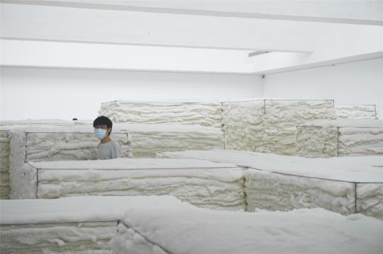"""赵赵个展""""白色"""",当代唐人艺术中心展览现场"""