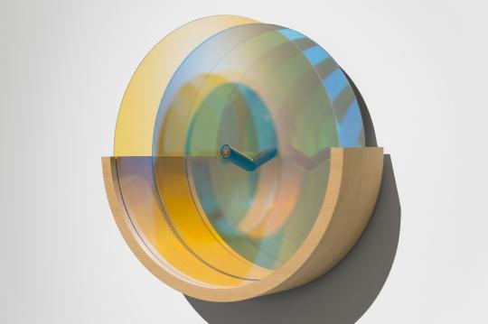 東京画廊+BTAP  志村姐弟《踪迹:天空 - 东京物语》 48×48×15cm 镜子、光学玻璃、电线、木材2015-2017