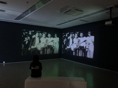 展览开始,通过影像感受鲍勃·迪伦浓缩的一生