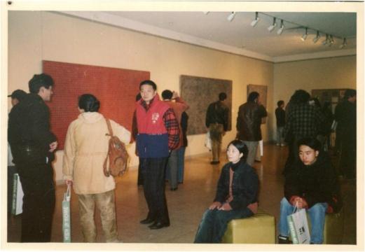 '96上海(美术)双年展照片——展馆现场,1996年。丁乙供图。