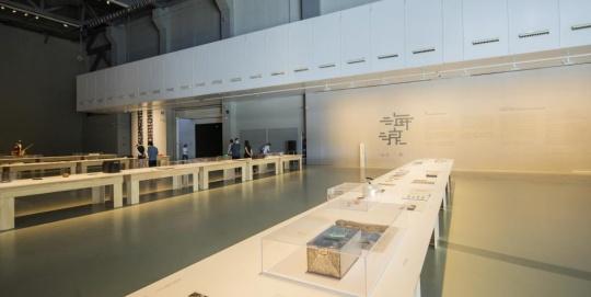 海浪声声,澎湃如昨,对于上海双年展24年历史的一次回望