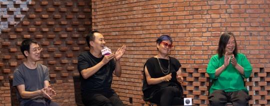 新闻发布会现场(左起):艺术家洪浩、王功新、林天苗,策展人闫士杰