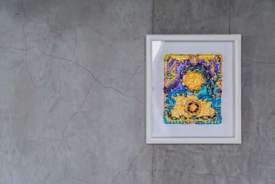 森内敬子 《水月观音》 22×27.5 cm帆布、丙烯、金箔、石头 2012