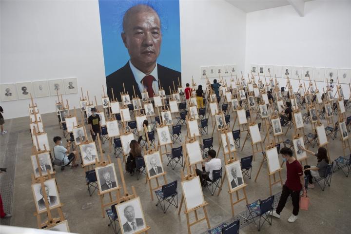 """""""王庆松:在希望的田野上""""展览现场"""