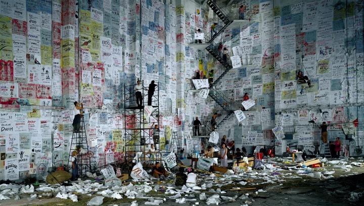 《大摆战场》170×300cm C-print 2004