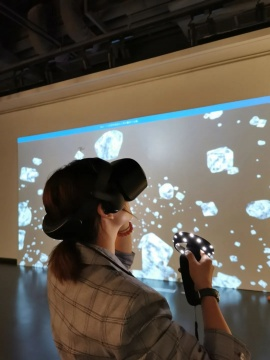 韩娅娟《失眠者之家》50×40cm虚拟现实VR 2018