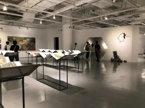 """""""自·长物志""""苏州金鸡湖美术馆展览现场(图二摄影:罗敏)"""