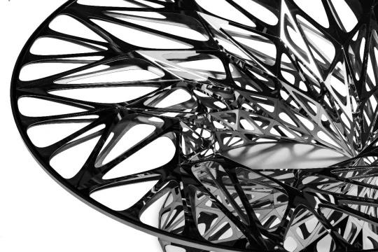 《OBJECT #MT-T1-F-L》,46x107x107cm,304镜面不锈钢、低反射玻璃,制作周期:60 天 -90 天