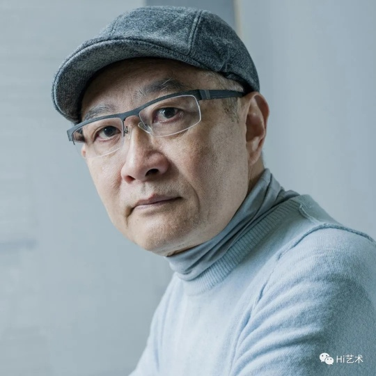 梁铨 1948年出生于上海,1984年进入浙江美术学院(现中国美术学院)版画系执教,现居深圳。