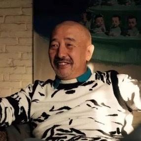 唐志冈  1959年生于云南昆明,1989年毕业于解放军艺术学院美术系油画专业,1996年起任教云南艺术学院美术系。