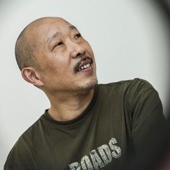 段建伟  1961年出生于河南许昌,1981毕业于河南大学美术系,现任教于首都师范大学美术学院