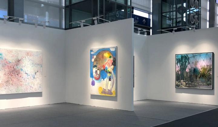 魔金石空间谈及参展原因,表示看中深圳的潜力。所带作品均在20万元之内。画廊表示现场已有销售,新老藏家都有。