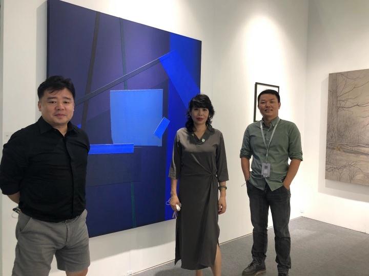 艺术家杨勇、艺术家黄佳、美成空间负责人刘羽(图片提供:黄佳)