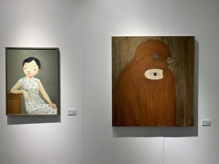 左为林海容作品,6万元;右为俞洁作品,9万元。