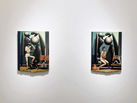 左《某种意义的保存》 53 x 40 cm 布面油画 2020 右 《禁止拍照》 53 x 40 cm 布面油画 2020