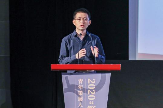 南京大学艺术学院副研究员、中国当代艺术年鉴展执行策展人徐志君