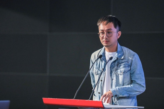 策展人、纪录片制片人、南京艺术学院美术馆学术部主任林书传