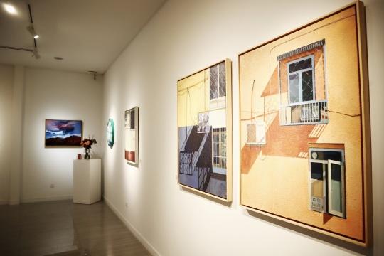 城市猎人的现实浪漫,王岩个展于白野画廊开幕