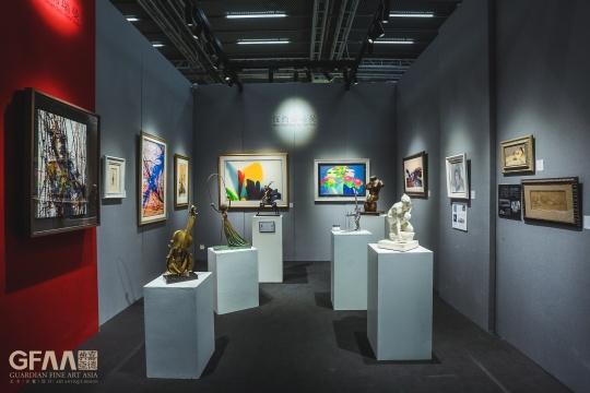 第四次参展的纽约佛瑞曼,展出艺术家萨尔瓦多・达利的雕塑《维纳斯》等重要作品