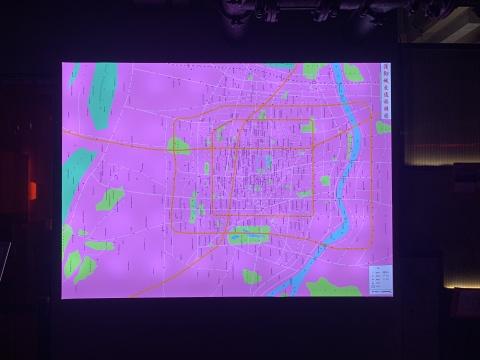 薛若哲 《渥彻城地图》 210x150cm 灯箱 2012