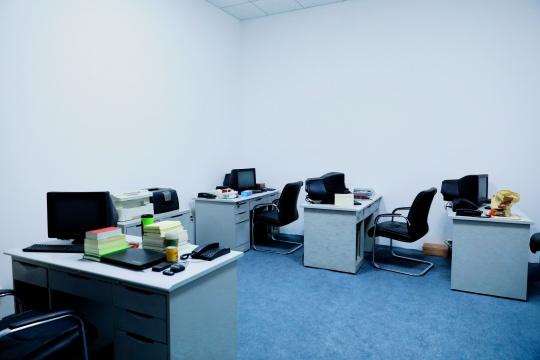 王郁洋《呼吸——财务办公室》
