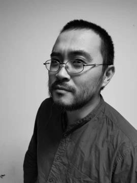 毕业于中央圣马丁艺术设计学院,现任北京服装学院雕塑系讲师。