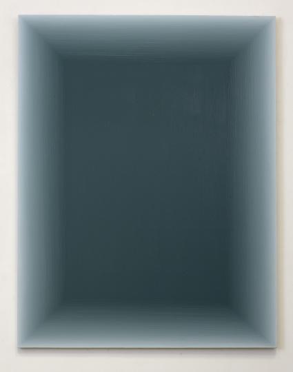 王光乐2012年的作品《120415》,仿佛是一个可以走进去的通道。(左)