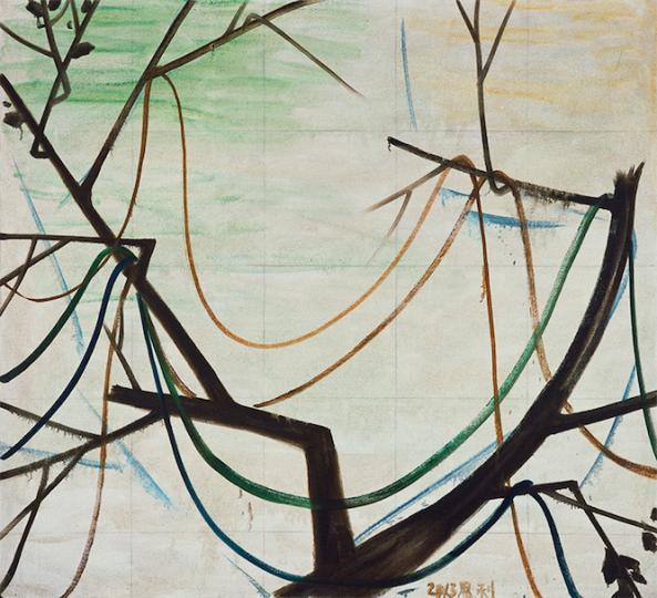 刘兰特意将张恩利这件《秋天的树》摆在窗户前。(右)