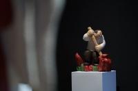 """任俊华个展""""归回""""亮相Hi艺术中心,以质朴木雕诉说温馨情感"""