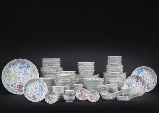 清光绪 粉彩夔凤纹餐具一组 估价:HK$ 5,000-10,000(每組)