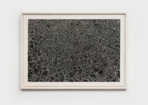 陈琦 《刺破冰面的湖》 135x193cm 水印木刻版画2018  亚洲艺术中心