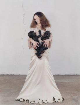 范尼莎·贝克罗夫特(意大利)《伦贝克,苏丹》 摄影230×180cm2006