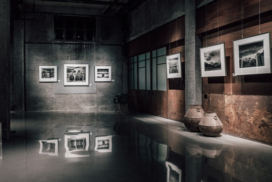 冯建国《藏香》大画幅摄影展