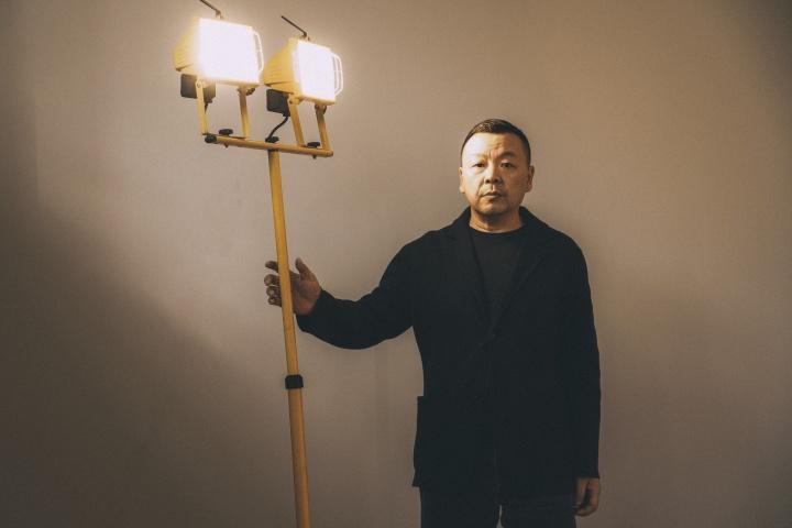 艺术家刘野,摄影:神思远 图片致谢:卓纳画廊
