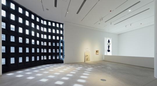 """展览""""目之所及""""展览现场阿那亚艺术中心"""