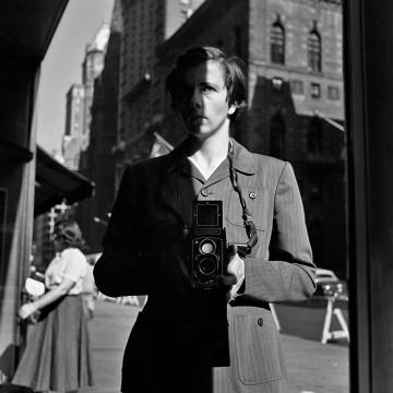 纽约,纽约州,1953年10月18日  © John Maloof Collection, courtesy Howard Greenberg Gallery, NY, and diChroma Photography