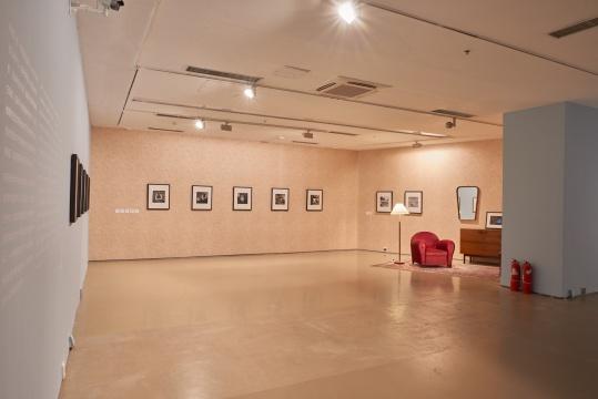 """""""寻找隐匿的天才:薇薇安·迈尔""""今日美术馆展览现场"""
