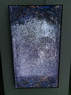 《虚无》70寸高清屏幕、电脑、C++代码 无限循环 2021