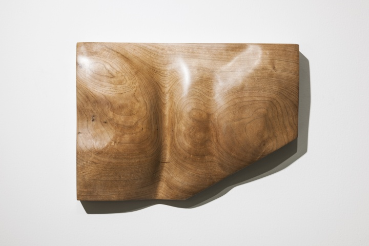 《不惑》樱桃木 32×22.8×5.5cm2018