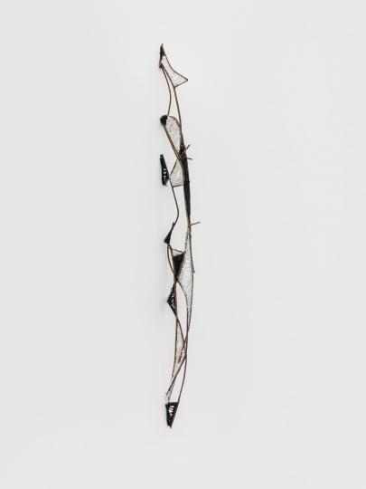 《脊》废旧钢筋 玻璃胶 尺寸不定 2017
