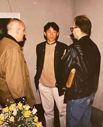 谭平、艺术家托尼·苏格特与布朗 1994