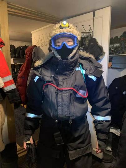 2019年,田恒在斯瓦尔巴见证了极夜里的狗拉雪橇出行(图片提供:田恒)