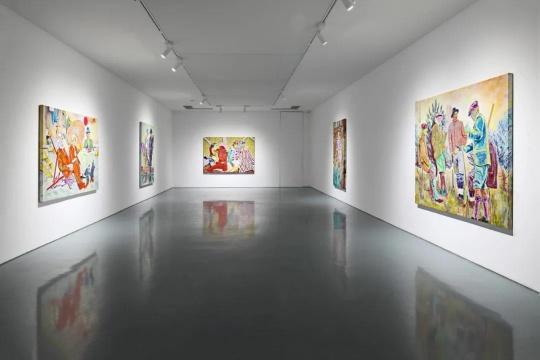 """法利·阿吉拉尔""""纸老虎""""展览现场"""